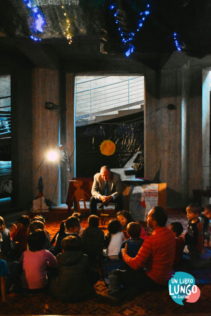 Il sindaco di Mortegliano legge un libro ai bambini